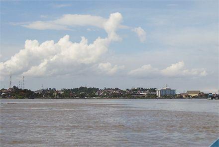 река Махакам / Фото Hidayat008 из Википедии