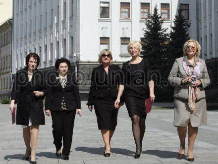 Ходатайство подписали 21 женщина-народный депутат