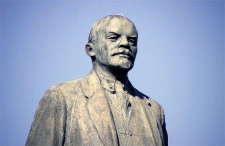 В этом месяце было разрушено уже 2 памятника Ленину  / Фото : poltava.pl.ua