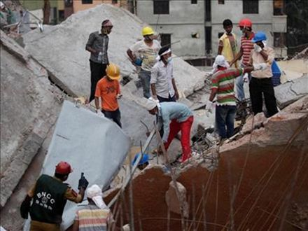 обвал дома в Бангладеш