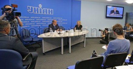 Анатолий Могилев на конференции в УНИАН