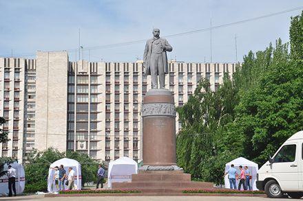 Донецкий облсовет призвал оппозицию свернуть акции протеста до праздников / Фото: ОстроВ