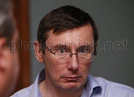 Луценко говорит, что власть репетирует 2015 год