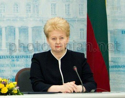 Даля Грибаускайте обещает помощь в переговорах с МВФ