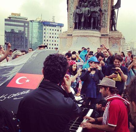Площадь Таксим. 14.06 / Фото whatiliketoday из Twitter
