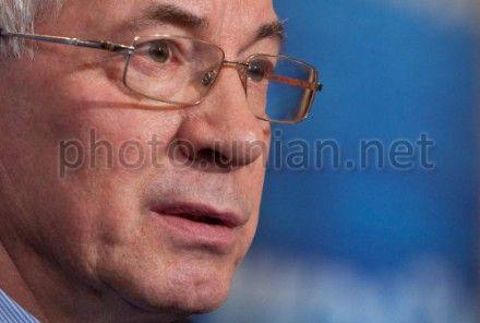 Азаров сказал, что налог на прибыль снизиться на 1%.