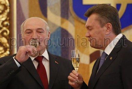 Лукашенко посетил Януковича