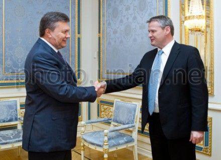 Янукович и Рафнссон