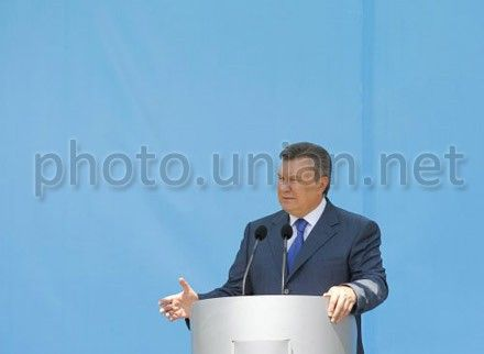 V. Yanukovych promises that the laws will be adopted