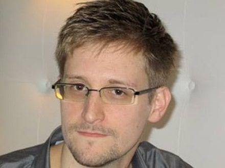 Немецкие ученые хотят дать Сноудену степень почетного доктора