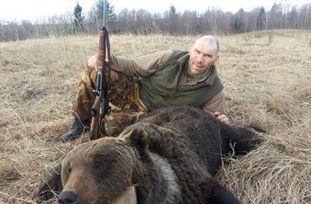 Убивать медведя и бобров весной незаконно, но Валуеву можно
