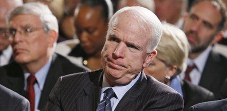 Джон Маккейн осудил действия украинской власти