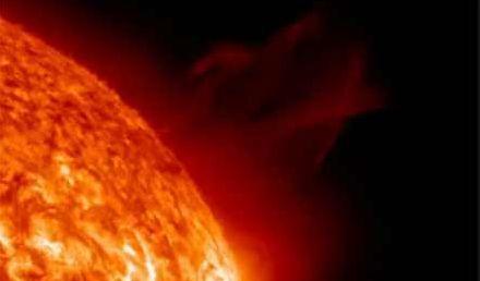 Солнечный ветер добрался до Земли
