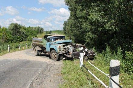 Водитель грузовика не пострадал / Фото: МВД в Хмельницкой области