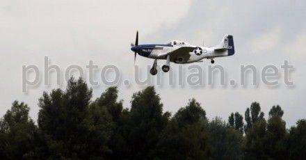 Демонстрационный полет американского истребителя
