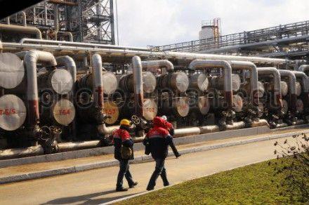 Украина сократила импорт нефти в 225,3 млн долл. в денежном выражении