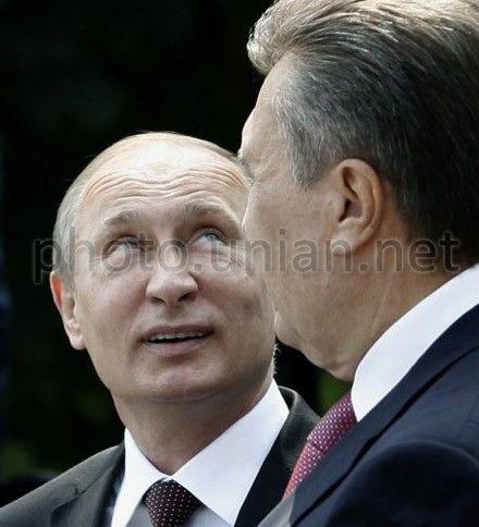 Путина и Януковича ждут на параде