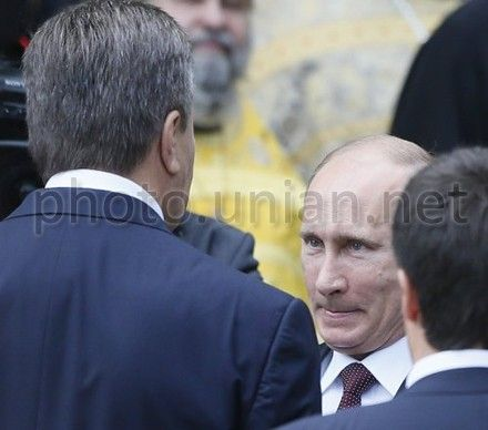 Януковича попросили прекратить непрозрачные переговоры