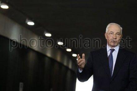 Азаров рассказал, как ЕС отказался помочь в переговорах с МВФ