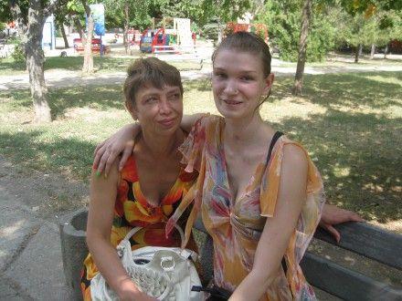 Саша Попова с мамой