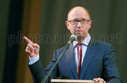 Яценюк заявил, что Тимошенко согласилась на
