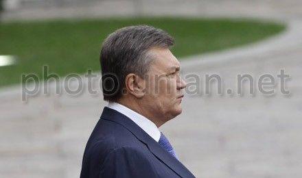Янукович отметил, что военнослужащим