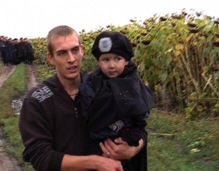 Мальчика нашли в поле подсолнечника / Фото: ТСН