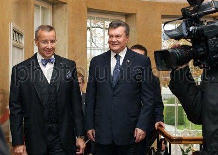 Виктор Янукович и Тоомас Хендрик Ильвес