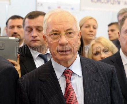 Азаров призвал к борьбе с коррупцией