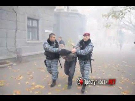 Задержанный милицией предполагаемый метатель шашек / Фото: Преступности.нет