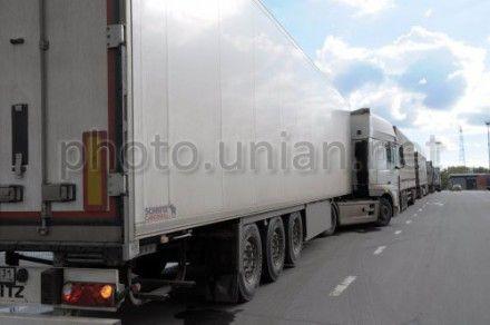 На межгосударственном пункте пропуска «Бачевск» очередь грузовиков растянулась на 3 километра