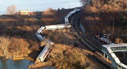 Крушение поезда в Нью-Йорке / Фото: Твиттер @STcom