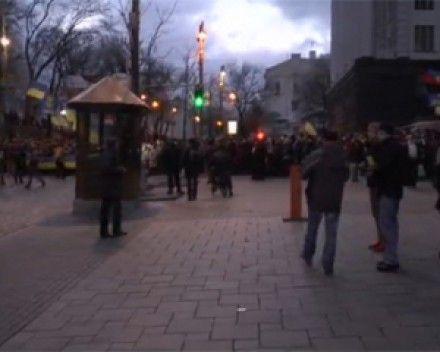 Люди перекрыли Правительственный квартал по улице Грушевского / Фото: fakty.ictv.ua