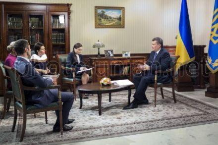 Янукович дал интервью журналистам