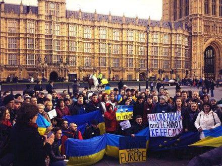 Акція українців у Лондоні / Фото: @5678910__dec