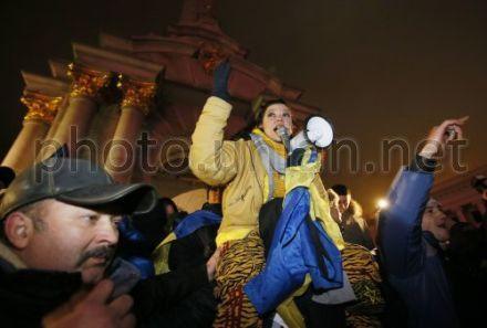 Руслана осудила снос памятника Ленину