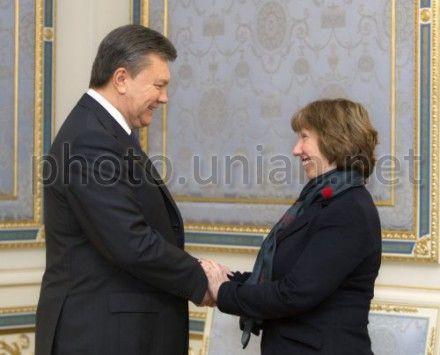 Янукович заверил, что урегулирует ситуацию мирным путем