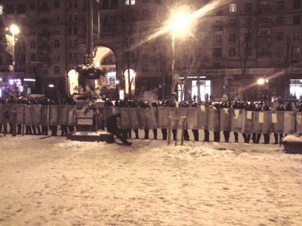 Зачищена барикада напроти КМДА, фото Olga Chervakova
