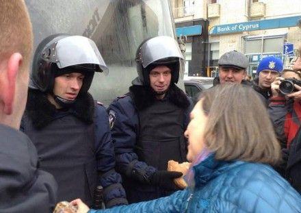 Нуланд отправилась на Евромайдан / Фото: topwar.ru