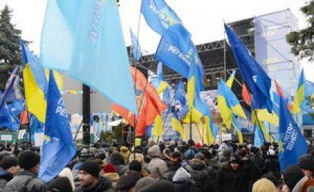 Провластный митинг приостановят - Калашников / Фото: ПР