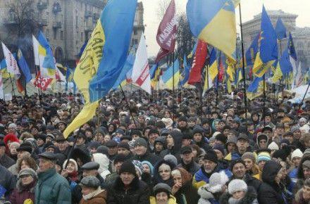 Большинство готовы стоять на Майдане