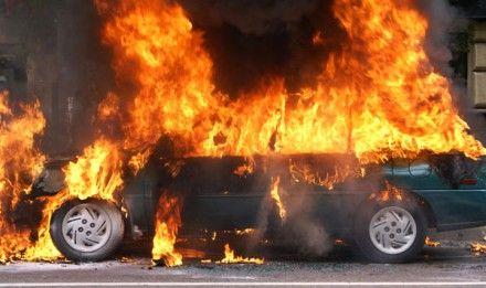На выходных киевские спасатели 4 раза выезжали тушить автомобили / Фото: moyagazeta.com