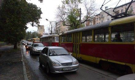 Оболонь, трамвай, пробка