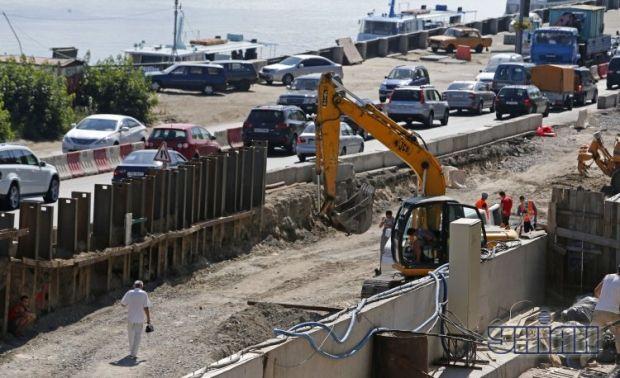 Археологічні розкопки тривають паралельно з будівельними роботами