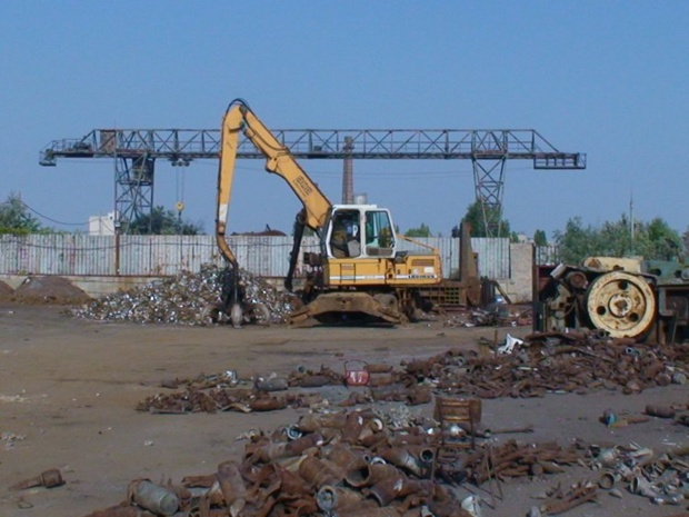 Кабмин продлил освобождение от уплаты НДС операции по импорту металлолома до 2015 года