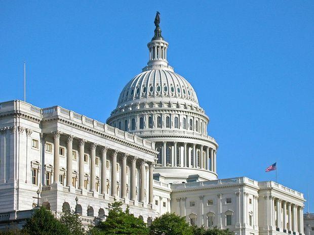Принятый законопроект теперь поступит на рассмотрение сената Конгресса США / ru.wikipedia.org