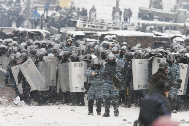 """Law-enforcement officers prepare for """"clean-up operation"""" at Maidan"""