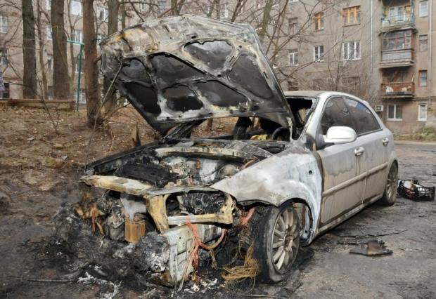 В столице продолжают гореть автомобили