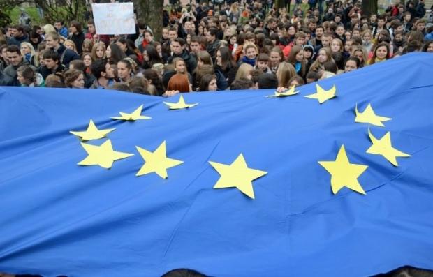 Украинцы предпочитают России Евросоюз / Фото УНИАН