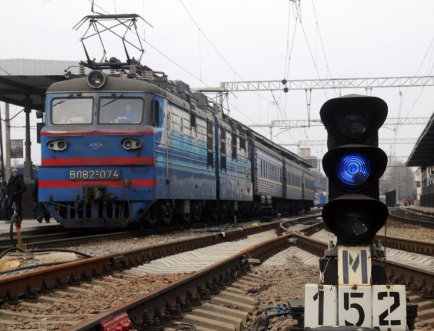 Fighters blast railroad over-crossing in Donetsk Oblast